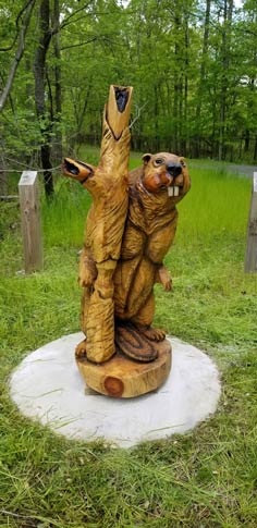 Wooden sculpture at Cheltenham Wetlands Park